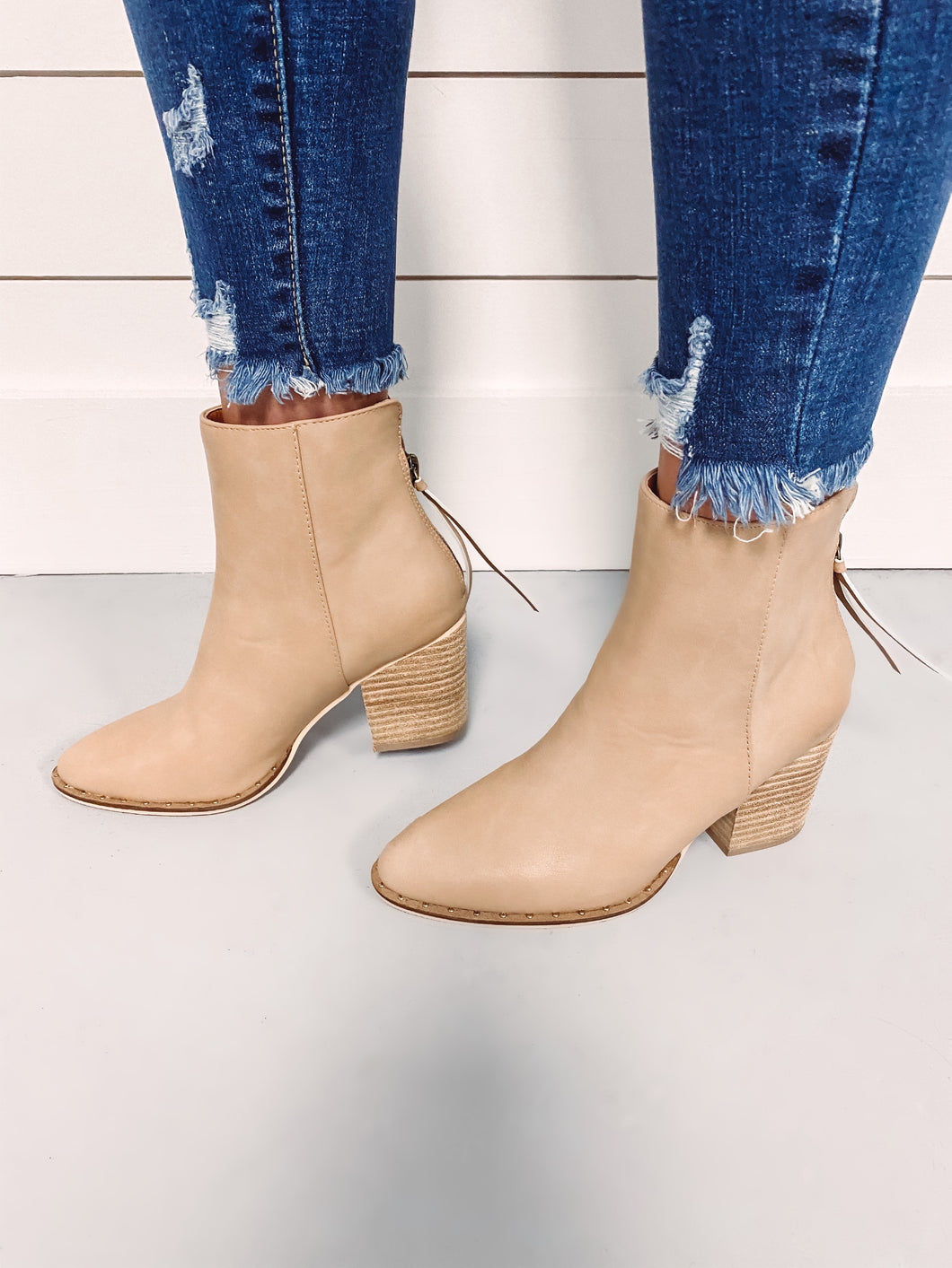 Court Leather Bootie - Taupe