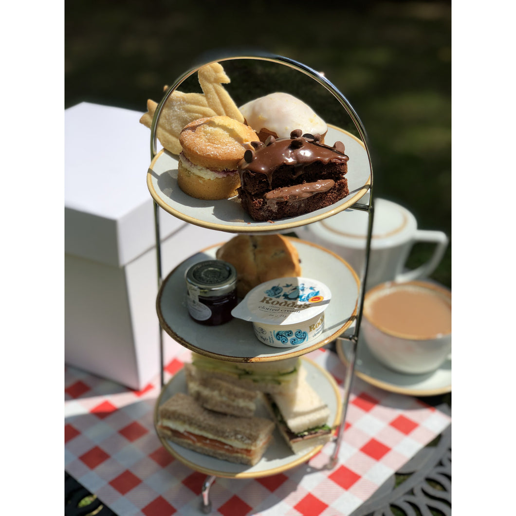 Afternoon Tea Per Person with Prosecco