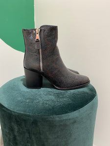 Heeled boots - brown black