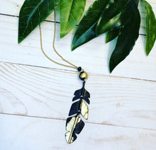 Load image into Gallery viewer, Feather Metallic Necklace