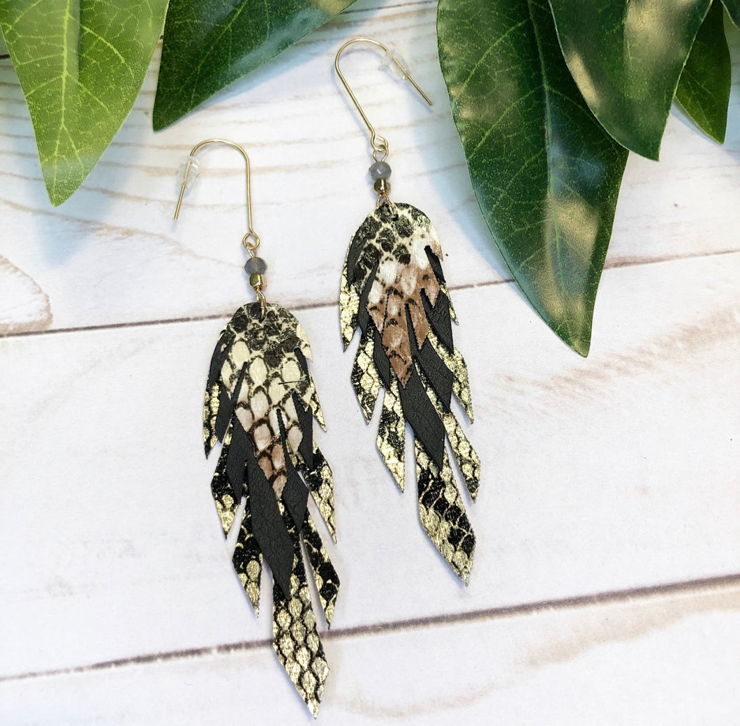 Metallic Feather Earring - Black