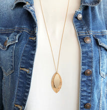 Load image into Gallery viewer, 'Elegance Never Fades' Necklace - Light Sand