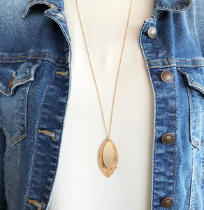 'Elegance Never Fades' Necklace - Light Sand