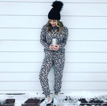 Load image into Gallery viewer, Leopard pants - jogger set