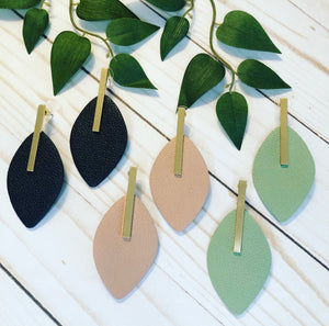Leather Leaf Earring - Black