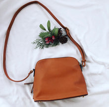 Load image into Gallery viewer, Tassel crossbody - Cognac