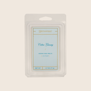 Cotton Ginseng is fresh and light, with notes of cotton blended with jasmine, eucalyptus, and lavender florals enveloped with sandalwood and musk. Cotton Ginseng Aroma Wax Melts contain a set of 8 cubes made from 100% food-grade paraffin wax and a highly fragrant aroma - no wicks or flames needed.