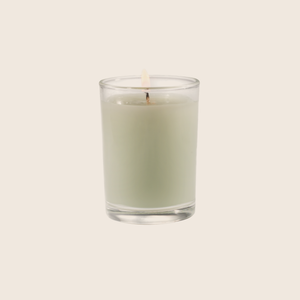 Fresh Hydrangea is a soft, classic fragrance with notes of cut grass, green hyacinth, bergamot and china lily. Our candles are all hand-poured in Arkansas. Made with a proprietary wax blend, ethically sourced containers and cotton wicks. Light one of these aromatic candles and transport yourself to a memory or emotion.