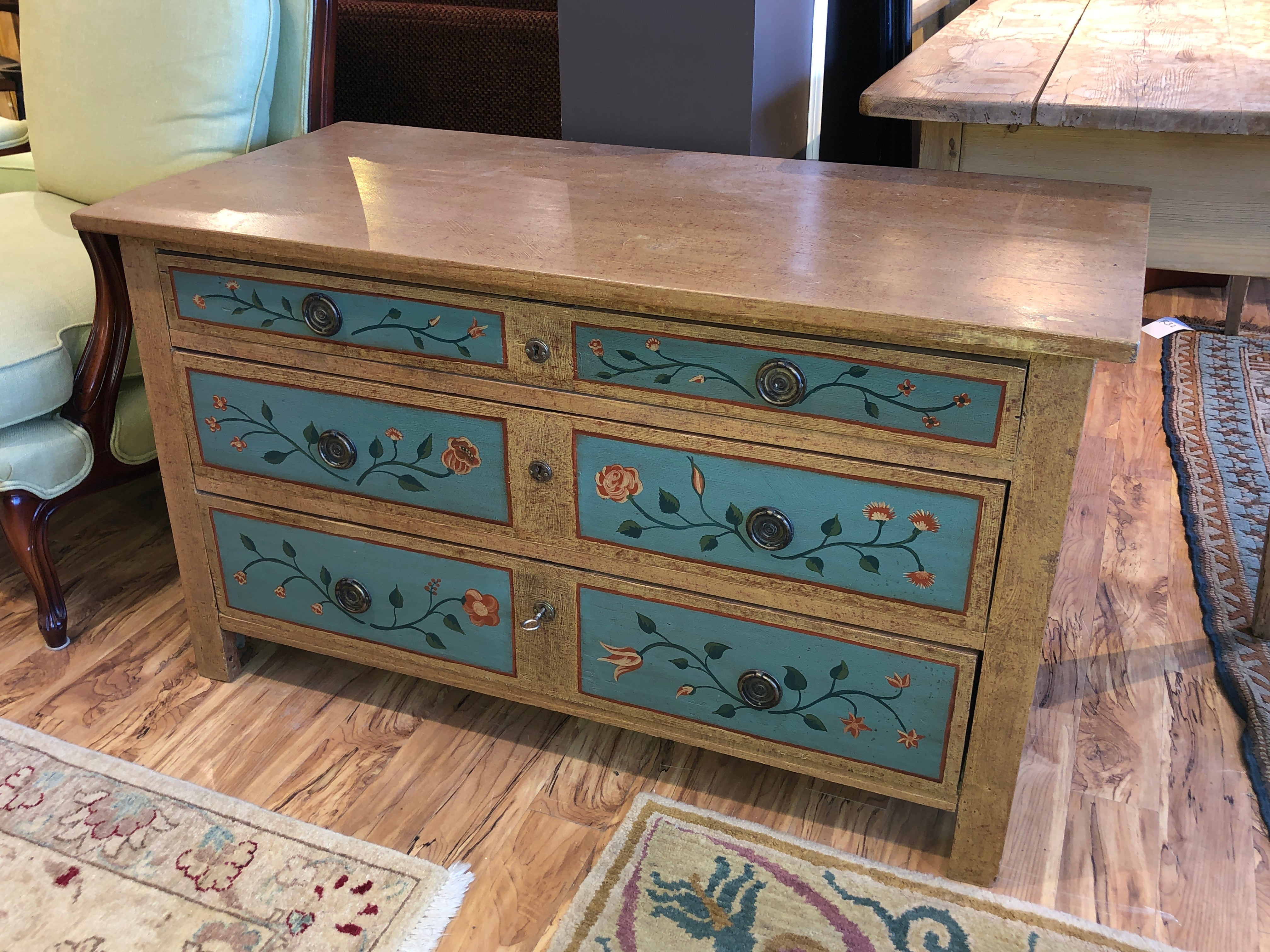 Vintage grain painted chest of drawers