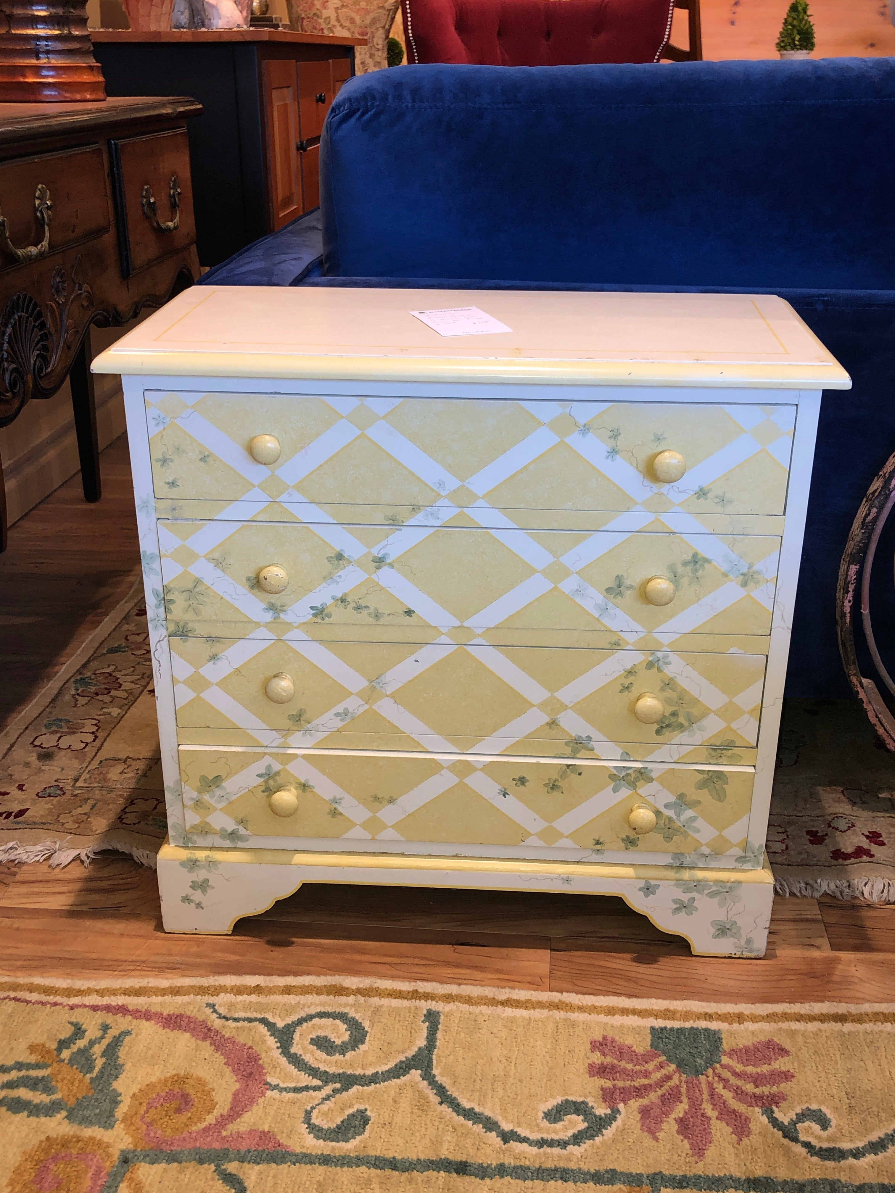 Small painted 4 drawer chest