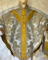 White and Gold Silk Semi-Gothic Set - Sacra Domus Aurea