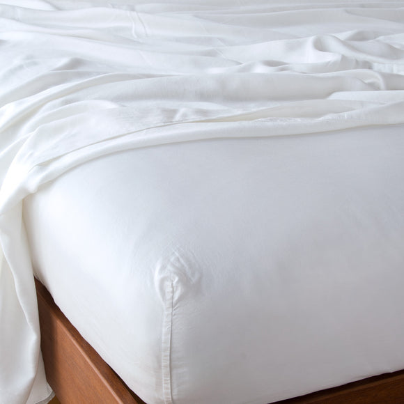 Madera Luxe Queen Fitted Sheet - White