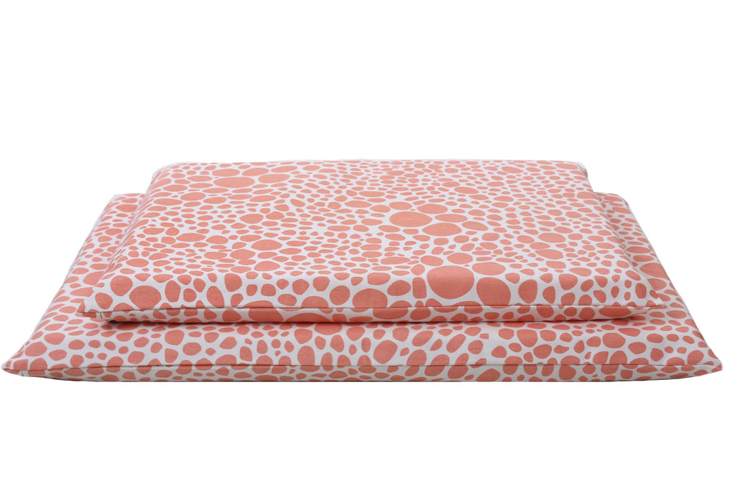 organic dog mats in 2 sizes in coral and white