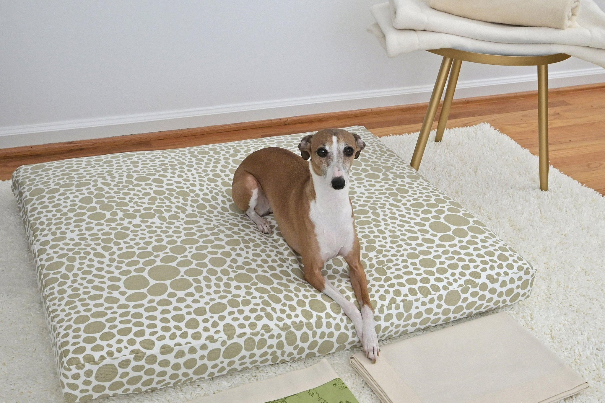 dog bed in pebbles fabric