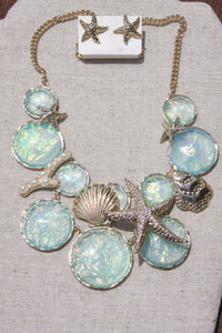 Ocean Treasures necklace in aqua