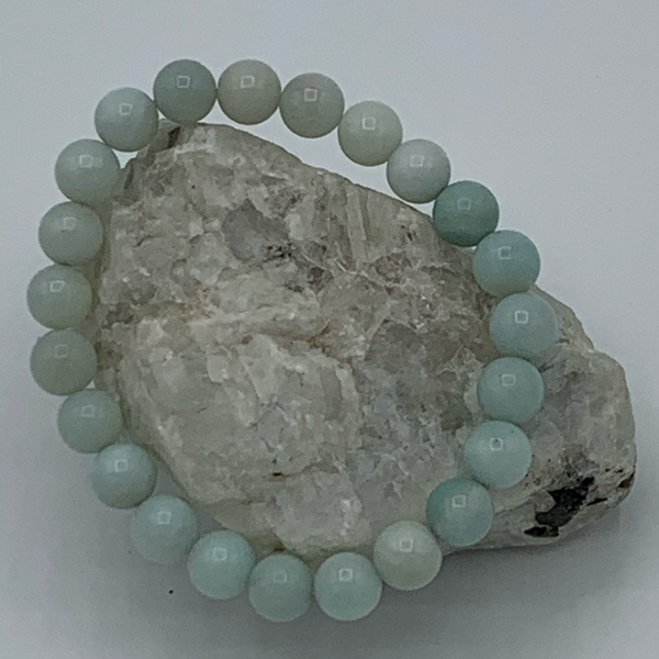 Amazonite soothes worry and fear by eliminating control or the need to be controlled in a relationship. It dispels negative energy and aggravation to help with the ebbs and flows of relationships. Amazonite encourages balanced expression. It is known to relieve muscle spasms and balance calcium deficiencies.