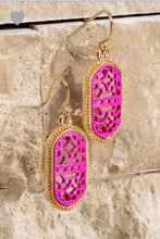 Load image into Gallery viewer, Filigree Oval Earrings