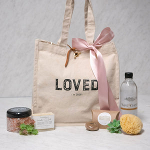 Loved in 2020 Gift Set