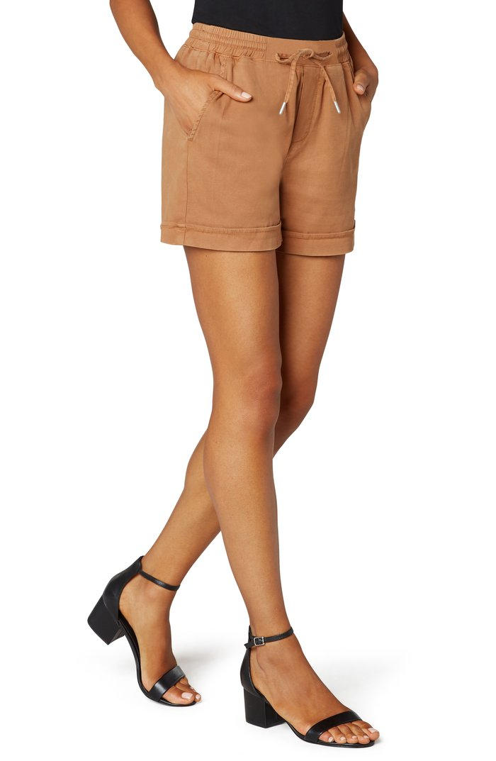 Pull-On Short With Drawstring Waistband