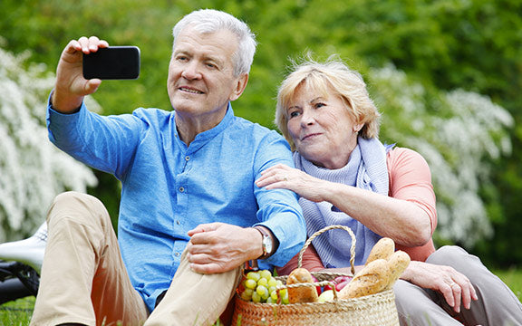 How to live with a smartphone after age 65