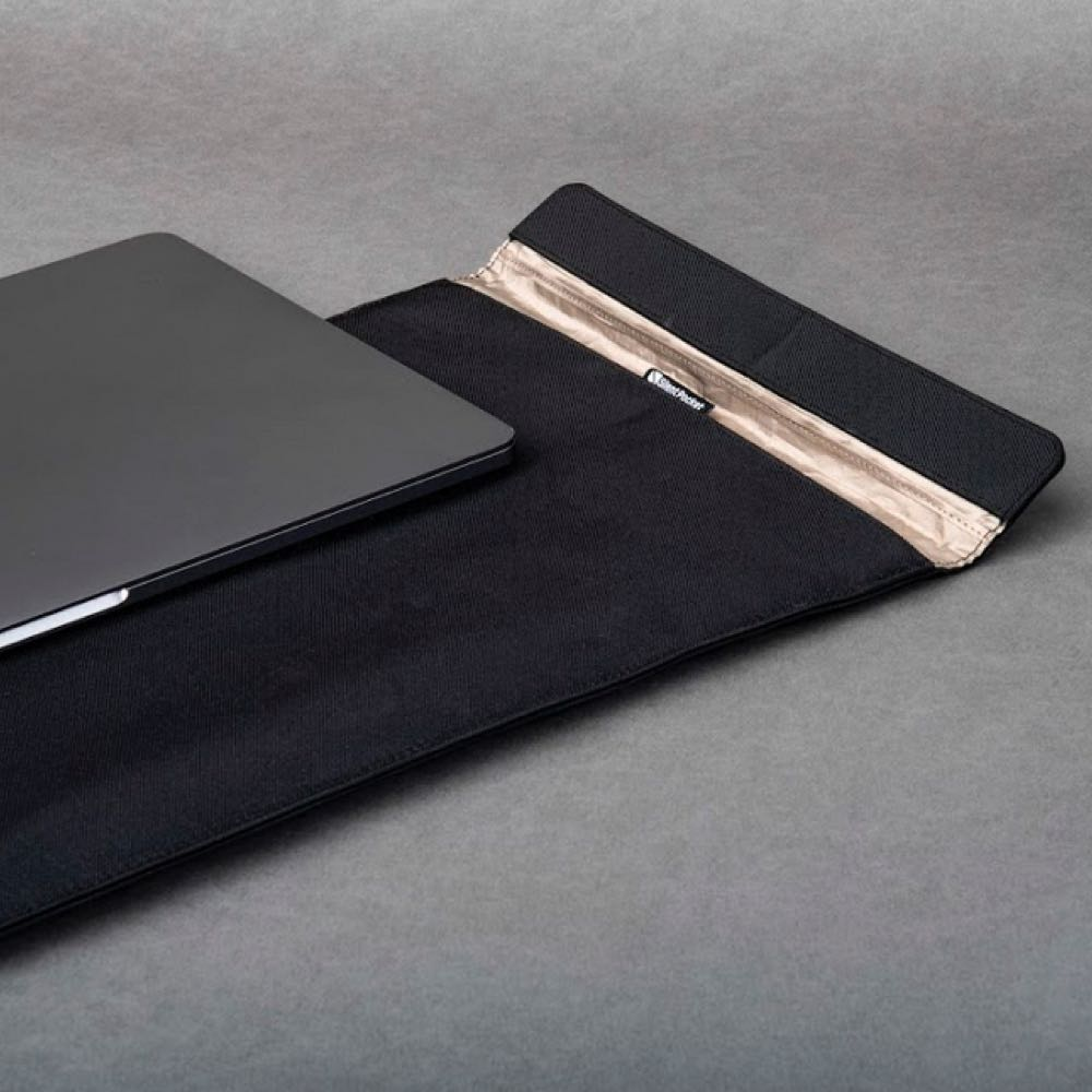 laptop flat lay grey