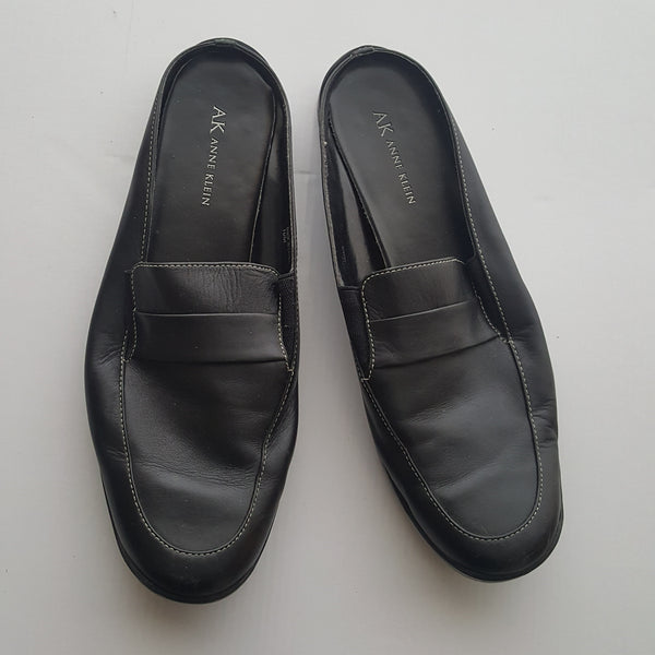 ANNE KLEIN black leather slip on shoes - 10M