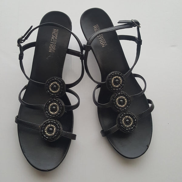 KENNETH COLE REACTION  black strappy beaded sandals - size 10M