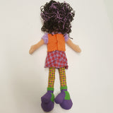 GROOVY GIRLS Doll Larissa in Plaid Skirt