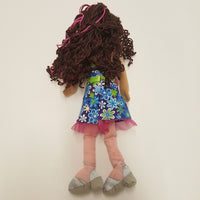 GROOVY GIRLS Doll Brunette in Floral Dress