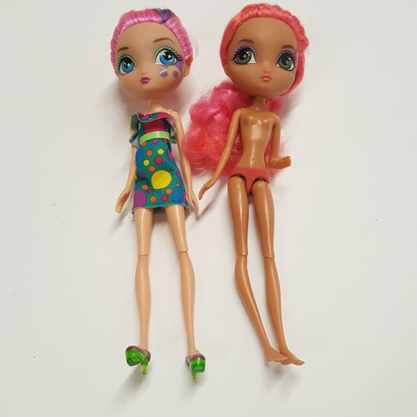 Two La Dee Da Dolls  (D03-04)