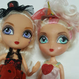 Two La Dee Da Dolls   (D03-08)