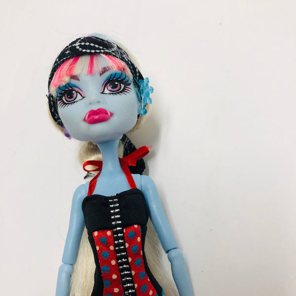 Monster High Doll ABBEY BOMINABLE  (D03-23)