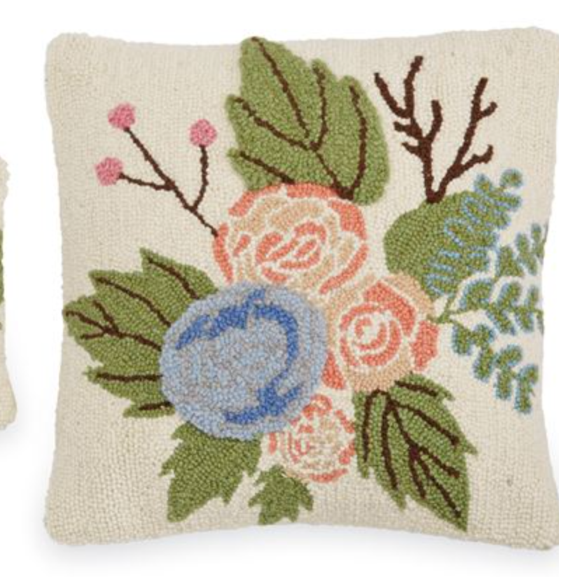 FLORAL HOOKED PILLOW SQUARE