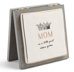 QUEEN MOM FOREVER CARD