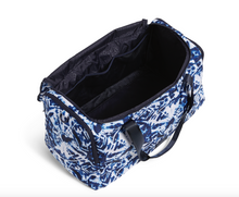 Load image into Gallery viewer, ISLAND TIE DYE REACTIVE TRAVEL DUFFEL