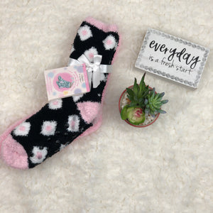 SHEA BUTTER SOCKS BLACK & PINK