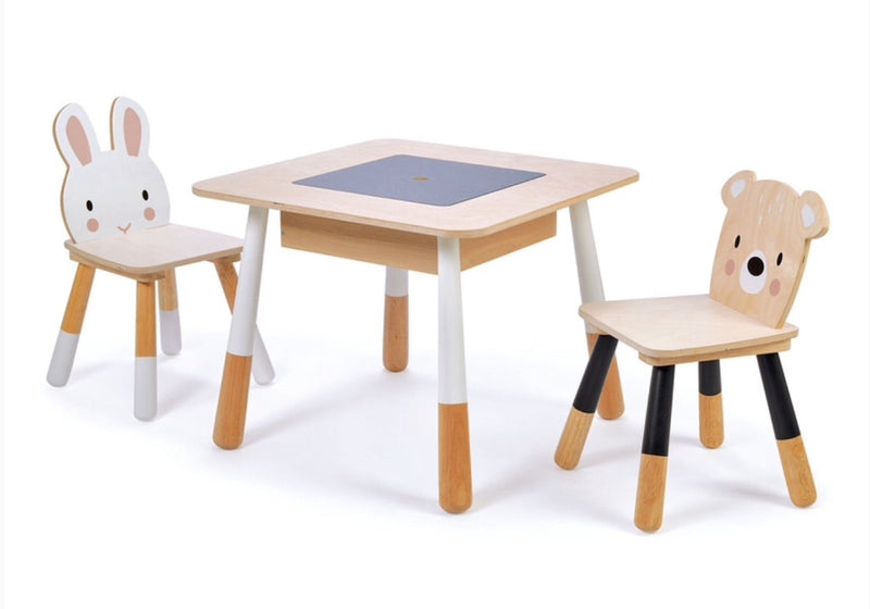 wooden-table-chairs-animal-theme-in-timber