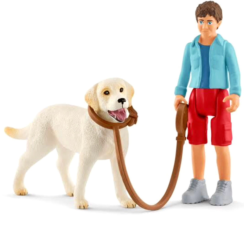 A cute set for animal fans. Set includes Labrador, leash with dog collar & dog walker with jointed legs. Recommended age 3-8 years