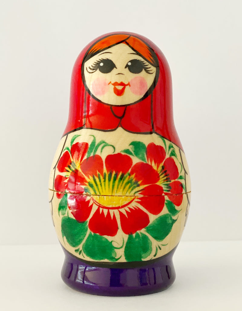 Wooden Babushka 5 piece is a traditional Russian keepsake for ages 3+ . It is a fun wooden toy.