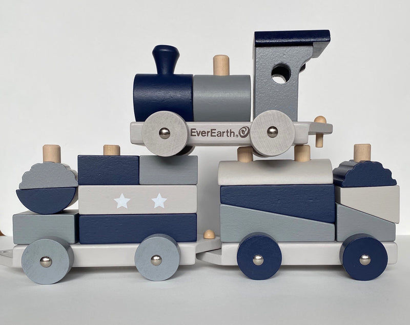 The EverEarth sorting train helps your child experiment with colours and shapes as they explore a world of dynamics and speed. A three-part locomotive including numerous colourful wooden bricks in different shapes. A lovely toy to play with Train length 40 cm, Height 9 cm Each carriage 13.5 cm Recommended age 18mths +