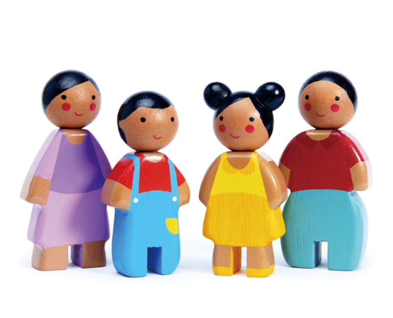 A gorgeous family painted in bright colours. Easy to hold and great for imaginative play 9 cm in height Recommended age 3+ Tender Leaf create beautiful eco friendly wooden toys