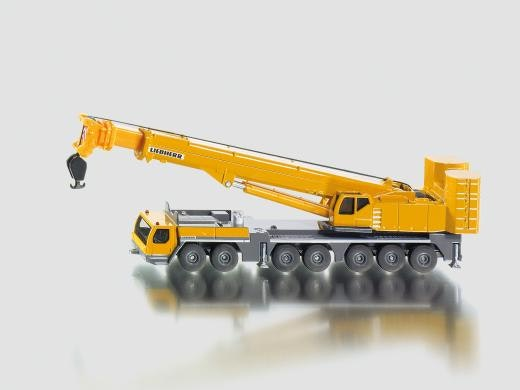 mobile-crane-liebherr-in-yellow
