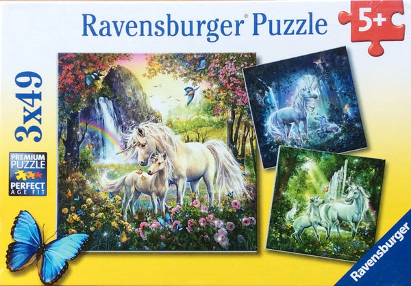 3x 49 piece puzzle includes 3 assorted Unicorns puzzles. Puzzle sizes 21 cm x21 cm Box Size 27 cm x 19 cm x 3cm Made in Czech Republic