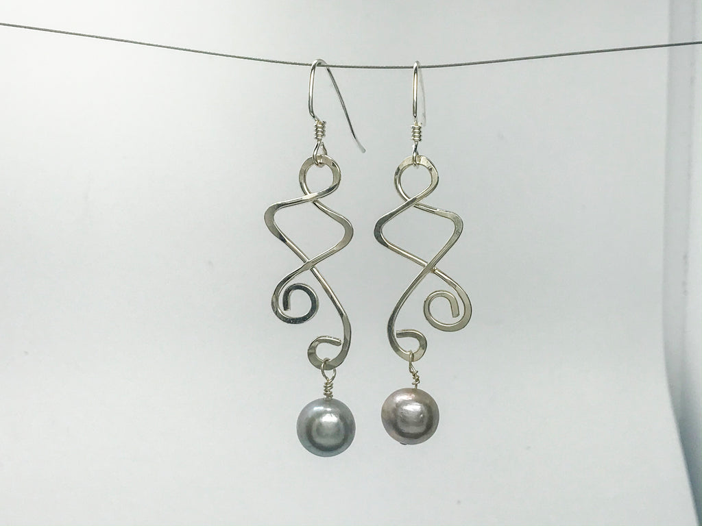Grey/pink Pearl squiggle earrings