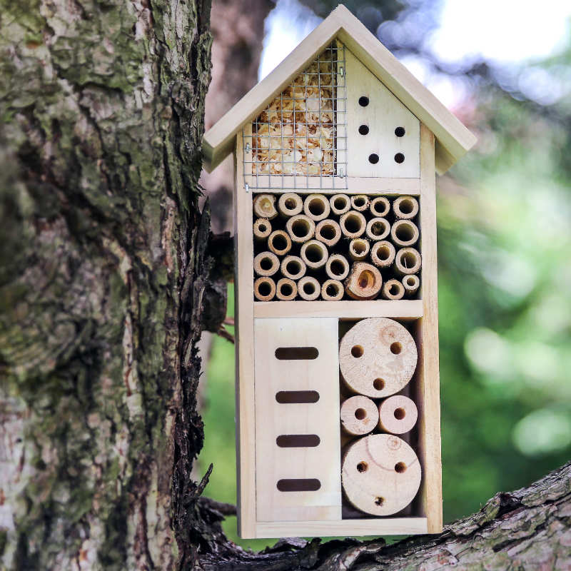 upcycle furniture for a bee hotel