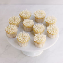 Load image into Gallery viewer, Chrysanthemum Cupcakes