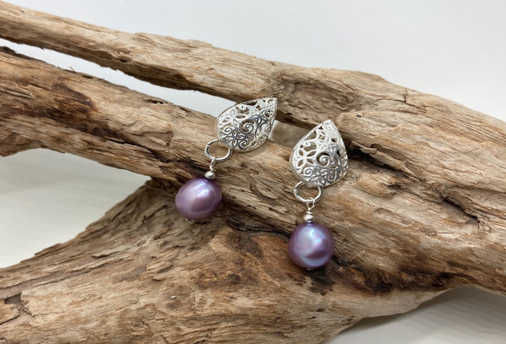 Purple freshwater pearl earrings