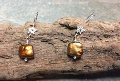 Golden brown pearl earrings