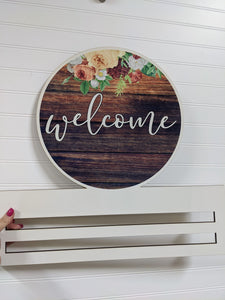 Barn Wood Welcome Wreath Rail