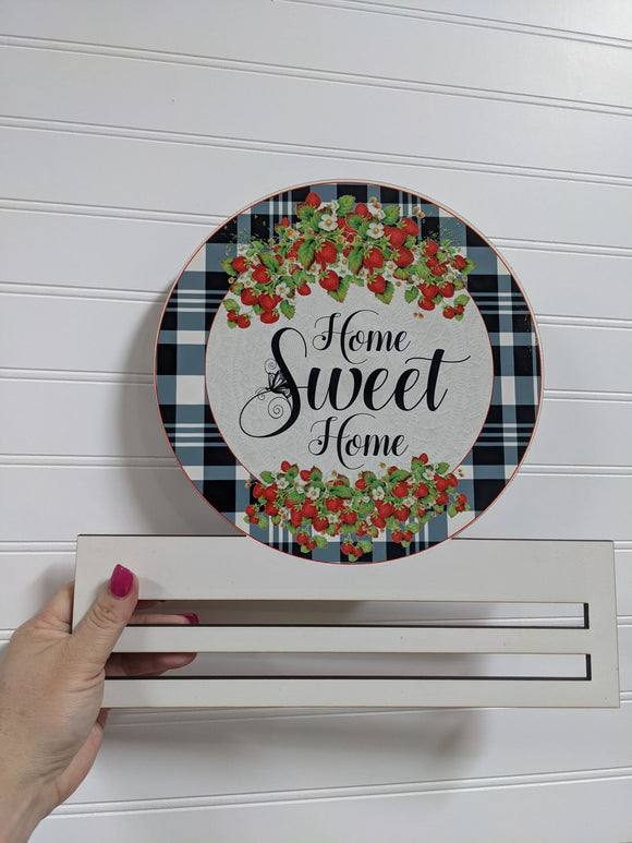 Home Sweet Home Strawberry Round Wreath Rail